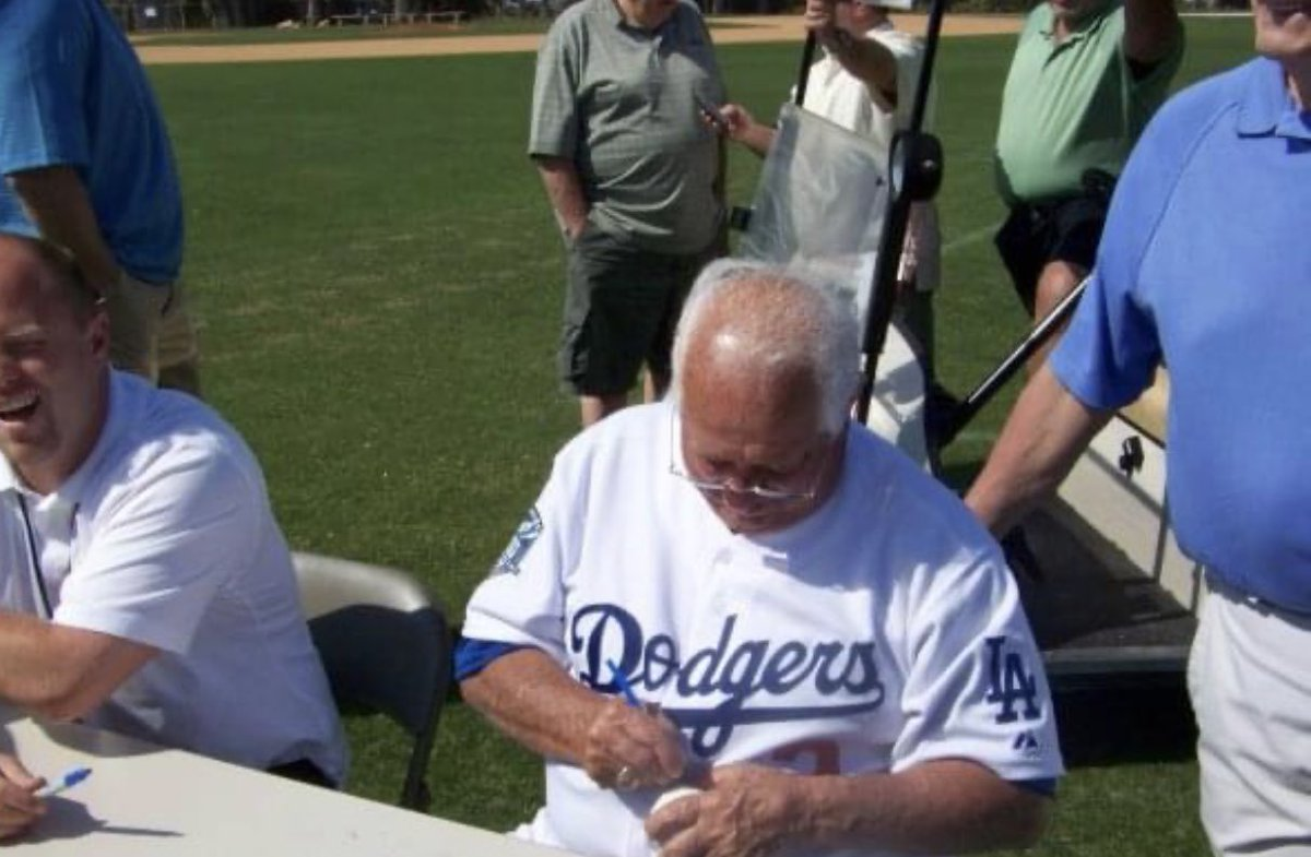 @BlooHatfan look what I found. The words that came out your mouth GmbH h on v F Sony grr🤣🤣🤣 #riptommylasorda