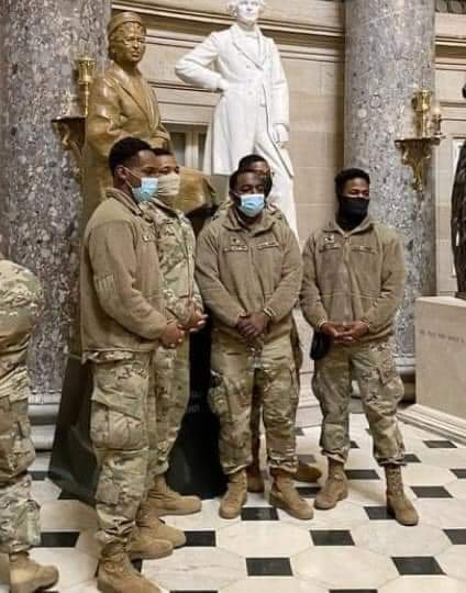 National Guardsmen having their picture taken with Rosa Park's statue in the Capitol Rotunda.  Bruh, this made me tear up. 🥺❤
