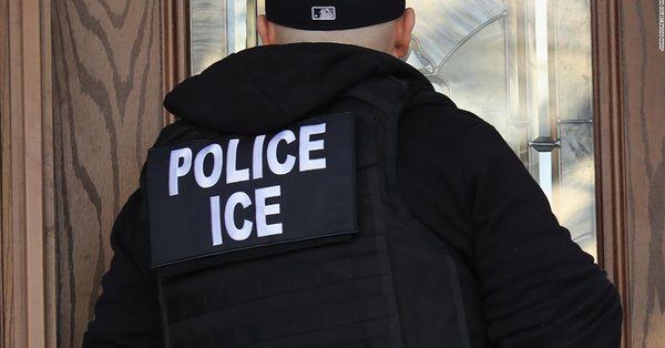Acting ICE director is resigning, DHS official says https://t.co/3pAmA1KiL4 https://t.co/goKAW8lgKp