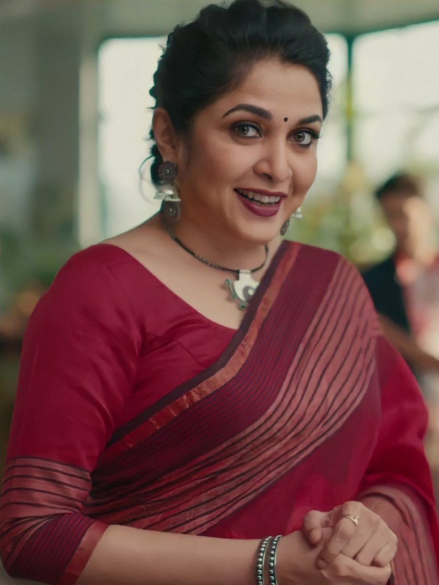Dear Love, @meramyakrishnan 💗#amma May this Sankranti shower u with everything u have wished for...may there b no trace of sorrow in ur life...may d sweetness of gur nd the warmth of til bring happiness aplenty to ur life #loveuloads Enjoy d bliss of Makar Sankranti...💗#mylife