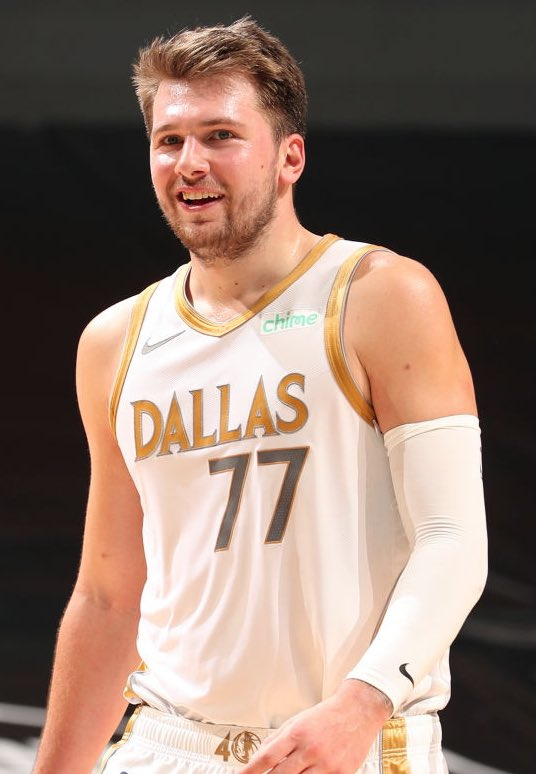 Luka Doncic's last 5 games:   34 PTS - 13 REB - 9 AST 20 PTS - 11 REB - 10 AST 38 PTS - 9 REB - 13 AST 33 PTS - 16 REB - 11 AST 27 PTS - 15 REB - 7 AST