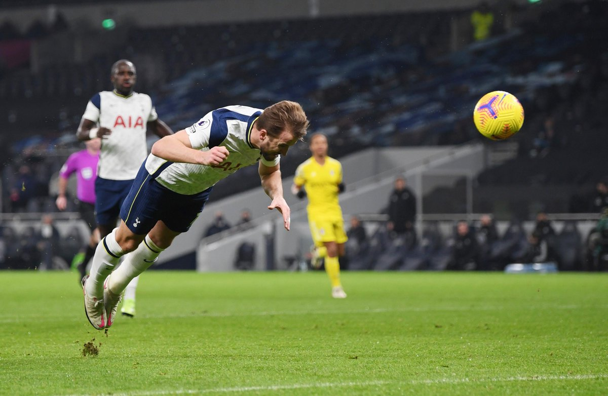 Harry Kane has become just the third player to score 25 #PL goals with his head (25), his right foot (94) and his left foot (34) – after Robbie Fowler and Andrew Cole  #TOTFUL
