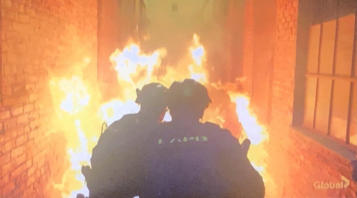 Don't you burn my boys!! 🔥🔥🔥 @swatcbs @SWATWritersRoom @ARThomasTV @shemarmoore @davidbradleylim #SWAT #SWAT #SWAT