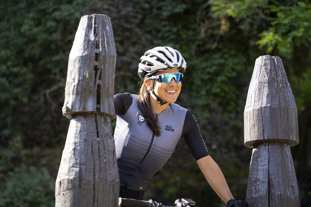 Bring a cheerful, exotic and exuberant form of chaos to your next ride with the high performance #Luckyblackcat cycling jersey hugely popular with cat loving cyclists worldwide! 🐱  #skullxmonton #montonsports #ridewithpassion #monton #girlsonbikes #beautyofcycling #bikesgirls