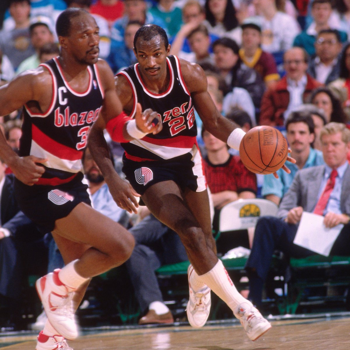 Damian Lillard (40 PTS, 13 AST) and CJ McCollum (28 PTS, 10 AST) are the first @trailblazers duo with 25+ PTS and 10+ AST in a game since Clyde Drexler (34 PTS, 12 AST) and Terry Porter (25 PTS, 10 AST) on March 6, 1992.