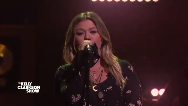 can we get a full week of Kelly Clarkson doing @thechicks #kellyoke covers?