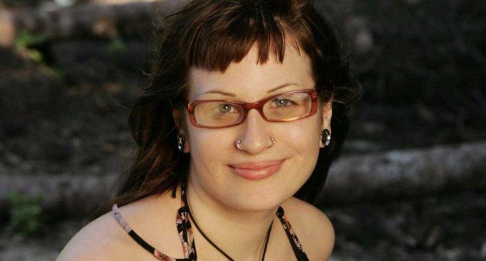 Survivor contestant Angie Jakusz dead at 40 Photo