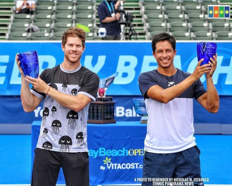Campeones ATP en @DelrayBeachOpen 💪🏽  📸@aphoto2remember   @BancoPacificoEC  @TOURNAGRIP  #kirschbaumstrings https://t.co/eruPlCXcZl