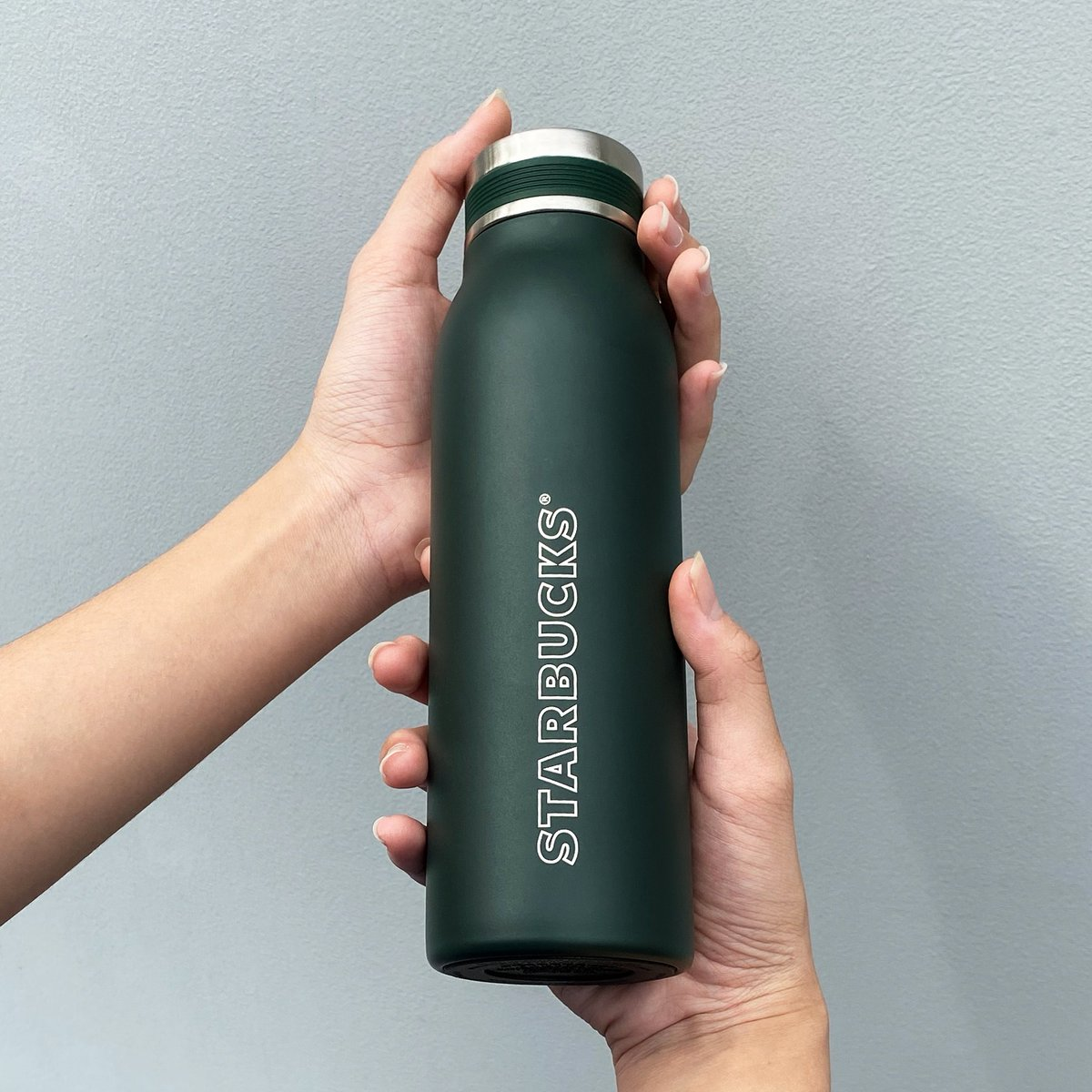 Did you know that you can get BND1 off when you bring over your own Starbucks Tumbler? Get your very own Starbucks Tumbler today! *T&C Apply https://t.co/uyYtUk63ea