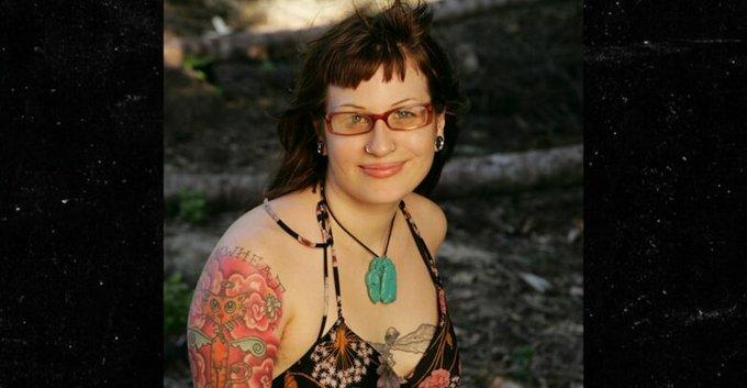 Survivor s Angie Jakusz Dead at 40 Photo