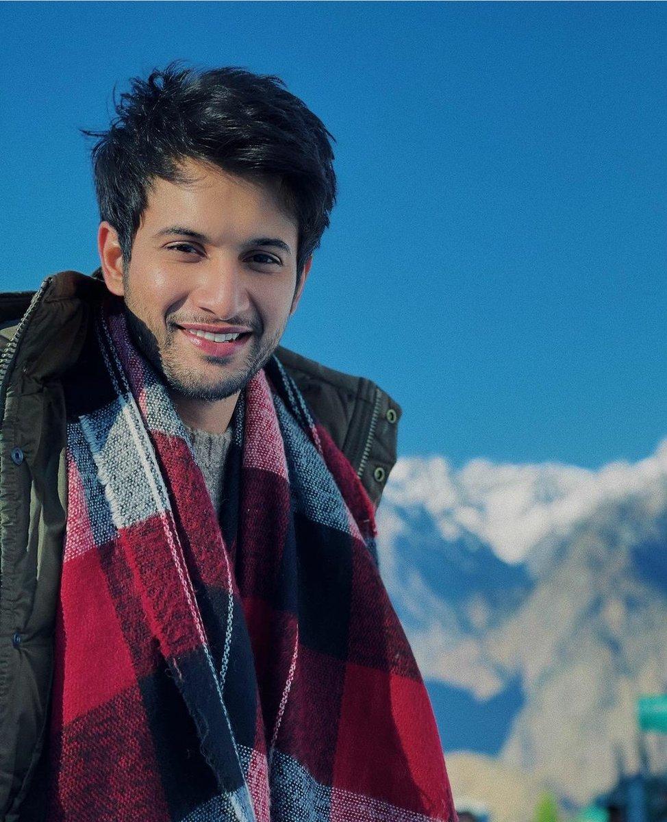 Y so pretty man ❣.That cute smile  😍  #RohitSaraf #Crush
