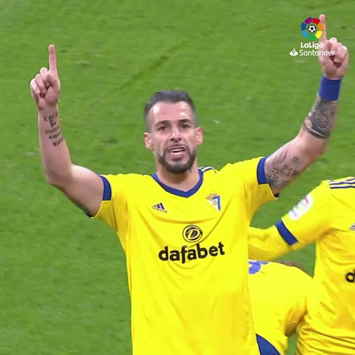 ✨ @AlvaroNegredo9 ✨ @AntoGriezmann ✨ @gonzalomelero8 ✨ Leo Messi  ✨ Fer Niño   Siapa yang mencetak gol paling apik saat jornada ke-18 #LaLigaSantander akhir pekan lalu? 🤔⚽️  #YouHaveToLiveIt