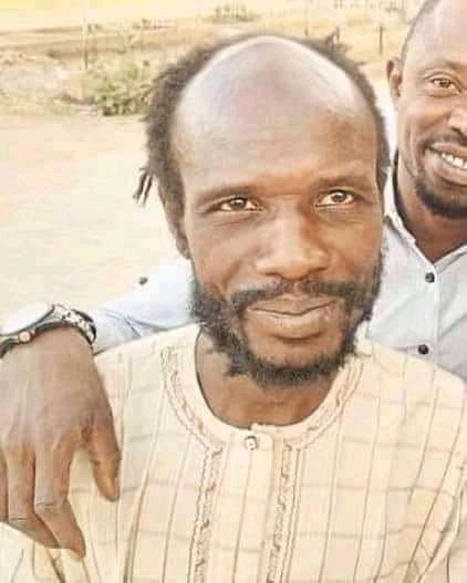 What a big shame to Kannywood people😏😠 it shows us that u're not united. This is Ashiru Nagoma (Director) He had been suffering from dementia 4 many yrs but u abandoned him without helping him wiz treatment, despite his commitment toward improving ur industry  Rtwt to circulate