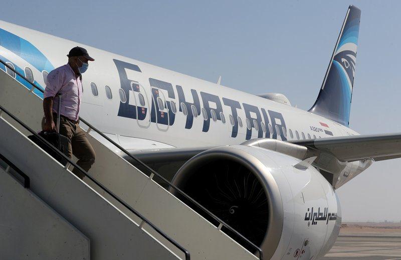 بعد فتح المجال الجوي بين البلدين.. #مصر تعلن عن تشغيل رحلة يومية مع #قطر.