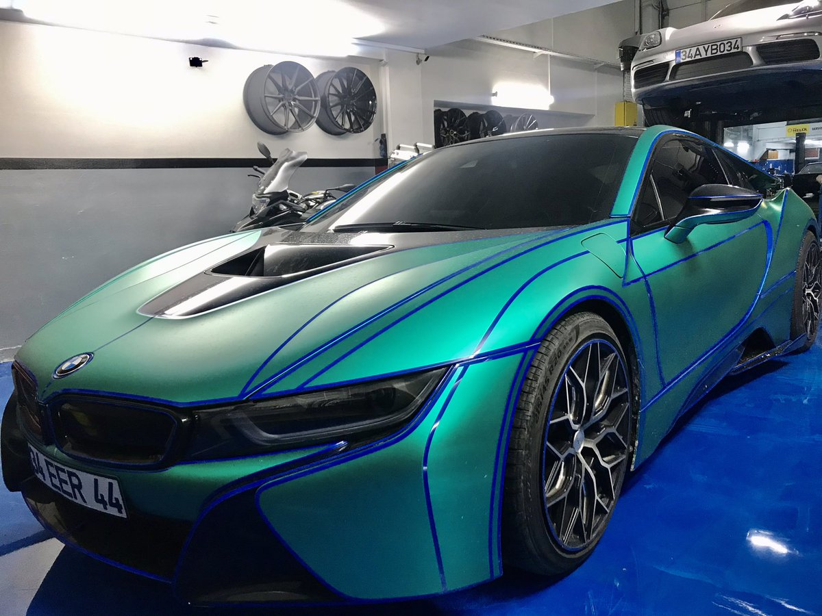 Do you love it too? #bmw #bmwi8 #supercars #luks #loveit