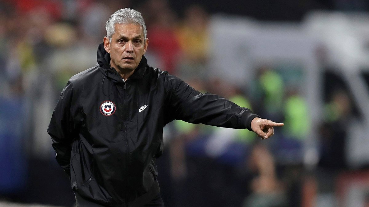 @FIFAWorldCup: 🇨🇱 Chile are on the lookout for a new coach after parting ways with Reinaldo Rueda.  🏆 @LaRoja sit sixth in the @CONMEBOL #WCQ standings, having taken four points from as many matches so far.  #pialadunia #worldcup