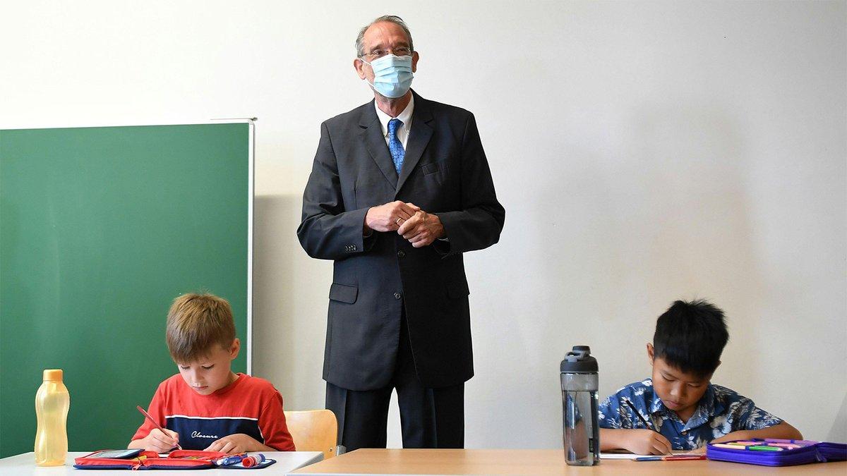 Schichtbetrieb an Schulen: Lehrer kommen am Vormittag, Schüler am Nachmittag