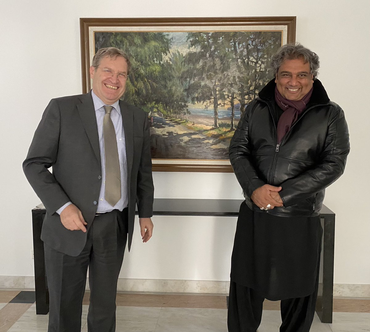 #KarachiPort #BlueEconomy Just before my first visit to #Karachi next week, it was very timely to host @AliHZaidiPTI, the Minister of Maritime Affairs 🇵🇰 at the Swiss Embassy in Islamabad today. Many🇨🇭companies are interested in the development of Karachi's infrastructure https://t.co/iMsepUQ2qg