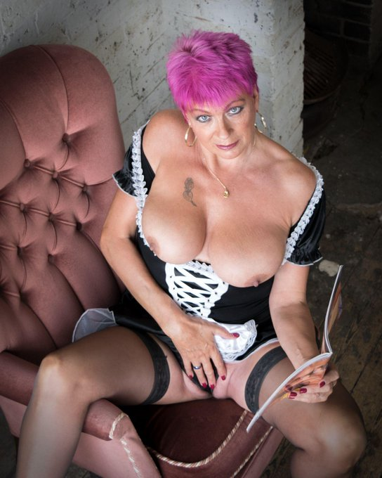 I'm online now for DirectIM at #AdultWork.com. Come and chat! https://t.co/9HTpbPHsXp https://t.co/i