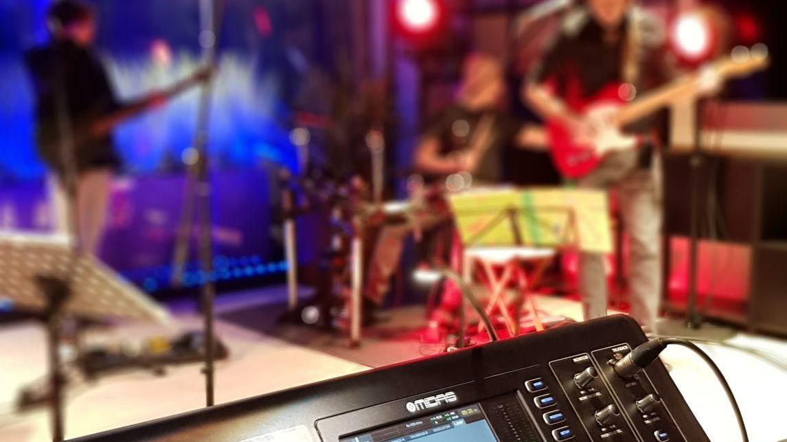 Opnames met je band? Dit kan in onze nieuwe Xpo Studio's! Opnameapparatuur, techniek en logistieke voorzieningen ter beschikking. 🎤🎸 Meer info via ‣ https://t.co/8tqklFto4b https://t.co/jwnxsXGY4d
