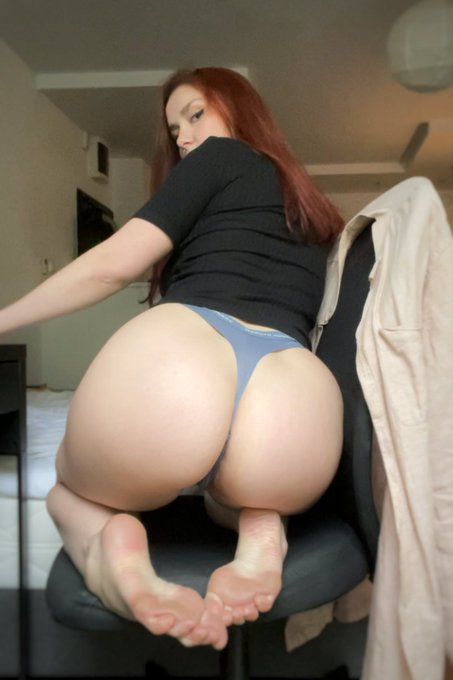 2 pic. It's a beautiful day )🤍  https://t.co/gWllx044TT  #onlyfans #girl #nude #nudes #redhead #wife
