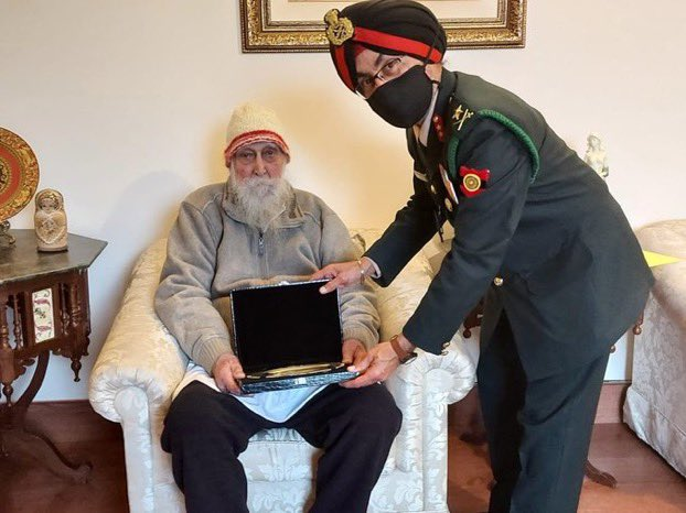 Col Prithipal Singh (Retd), the veteran who recently celebrated his 100th birthday and has the unique distinction of serving in all three Services was presented with a Silver Salver on behalf of Chief of Defence Staff, General Bipin Rawat on the occasion of Veterans Day, today