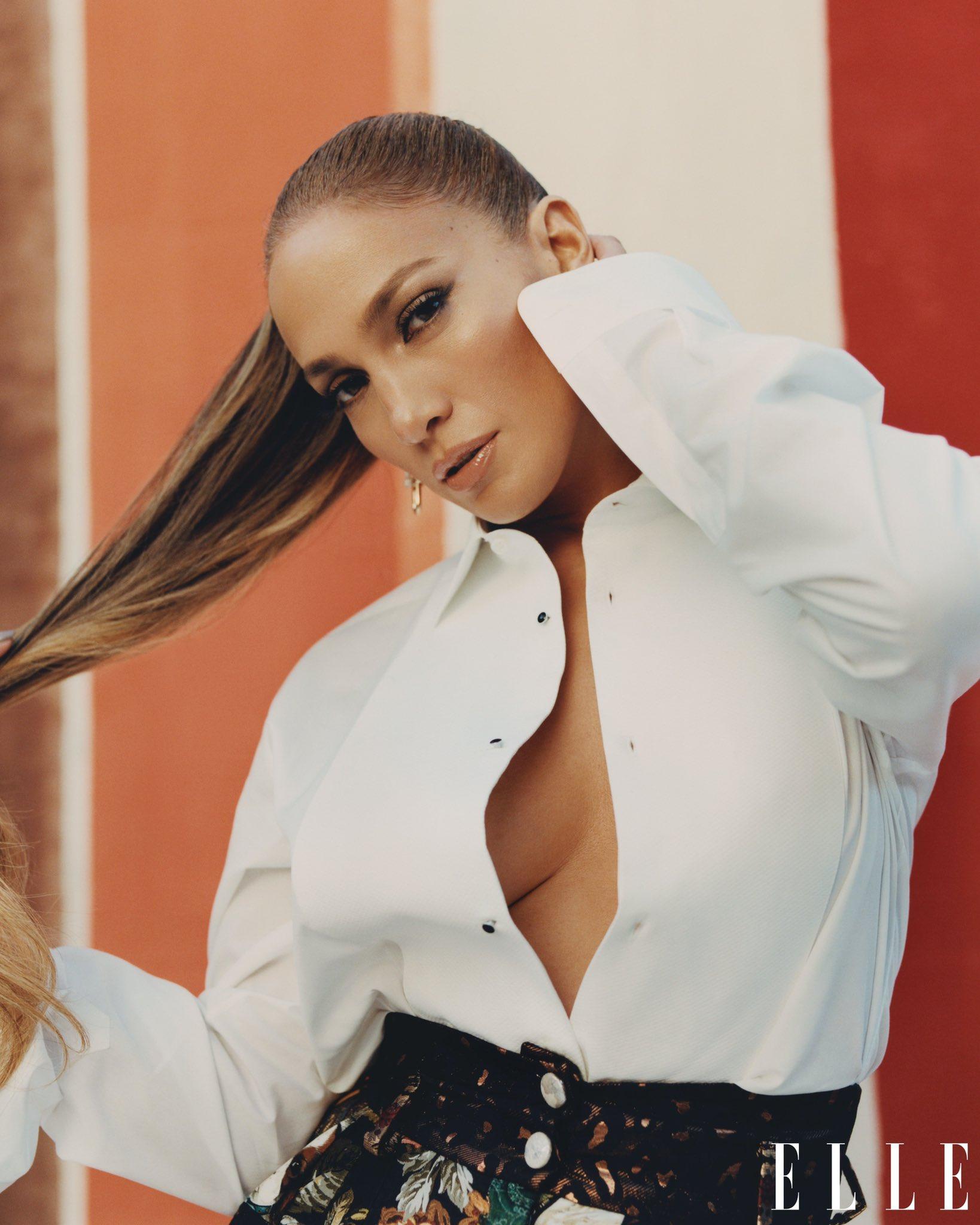Jennifer Lopez - Σελίδα 5 Ers4kokVoAMtHjn?format=jpg&name=large