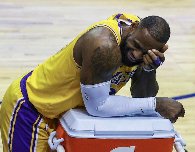 """Brooklyn Nets melhor time da NBA. KD e Harden melhor dupla da NBA. LeBron tá velho.""  Eu já ouvi essa história antes, hein... 😅 https://t.co/ZYZHBSEOc0"