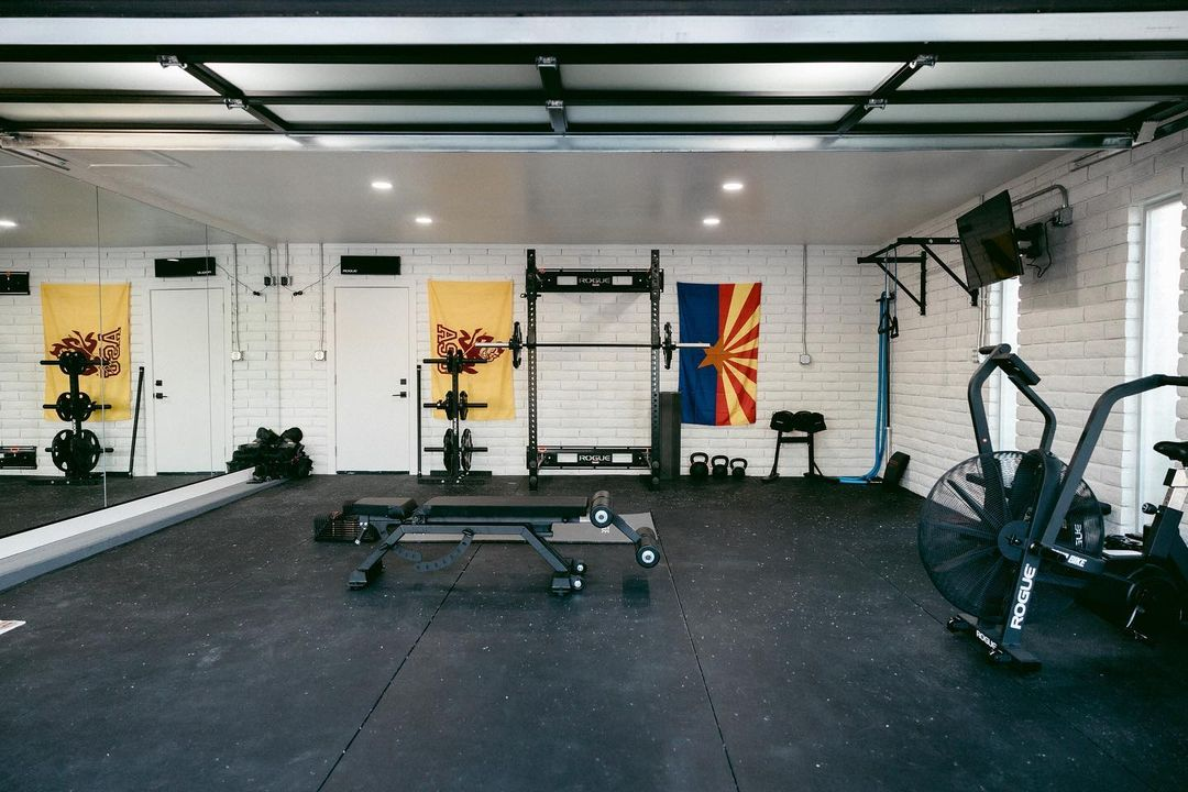 Garage gym courtesy of Jakob Owens #ryourogue