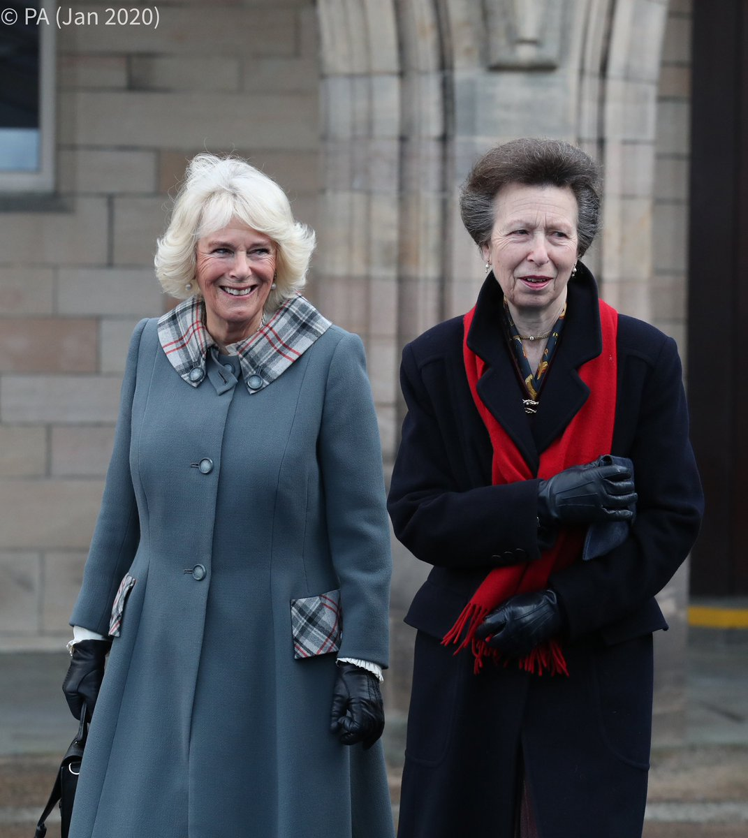 🎓 A year ago today, in her role as Chancellor of the University of Aberdeen, The Duchess of Rothesay presented her sister-in-law, The Princess Royal, with an Honorary Degree in recognition of her service to public life. https://t.co/xLJAlaXfOF