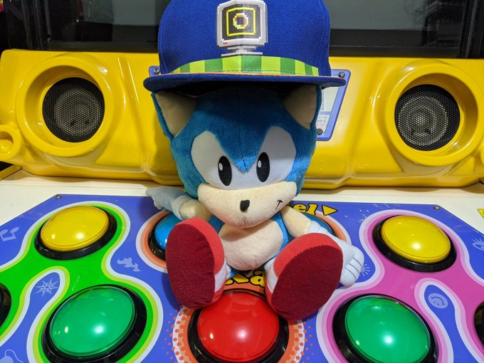 Who else is excited to see what's coming for Sonic this year?!? https://t.co/xQNAEl13Ih