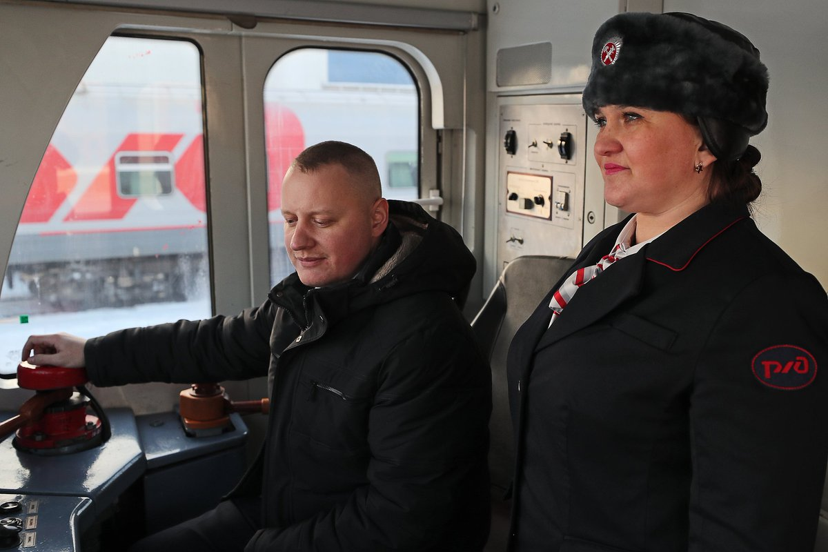 Women can now work as train drivers in #Russia.   Starting January 1, 11 Russian women started working as assistant train drivers of long distance passenger trains after being trained.