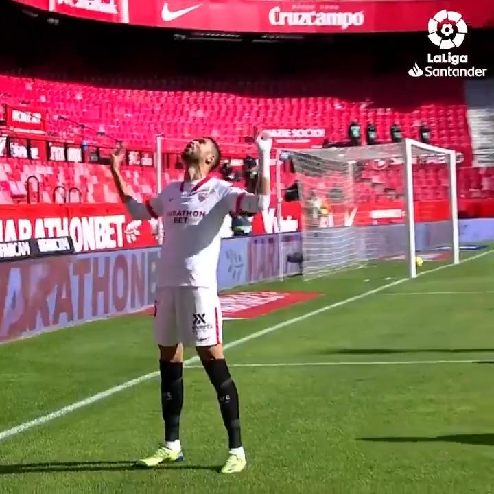 INOLVIDABLE: ¡@ennesyri9 siempre recordará su primer HAT-TRICK con el @SevillaFC en #LaLigaSantander! 💥
