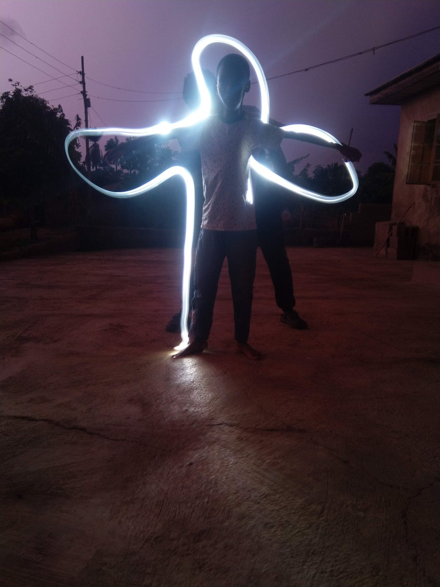 I'm a mobile photography and this is my collection of light painting photography Bts and the outcome ✌️✌️✌️ . . . Pls retweet and like🙏🙏🙏🙏🙏🙏🙏