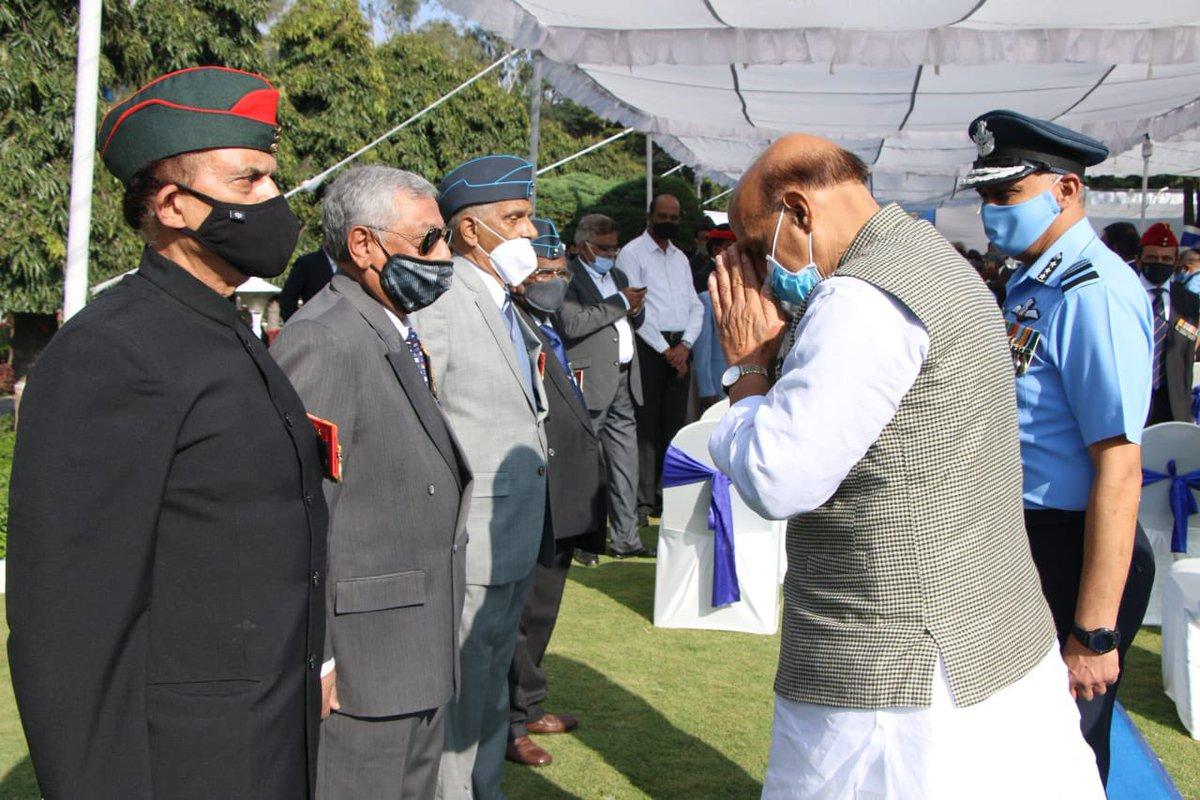 It was an honour for me to interact with the Ex-Servicemen on  the occasion of 'Veterans Day' in Bengaluru today.  Their unwavering courage and patriotism will always inspire every Indian. I salute their services to the nation.
