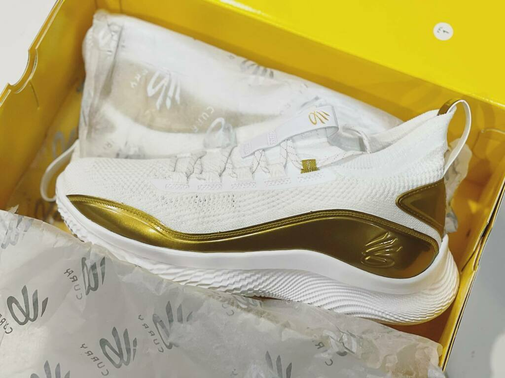 Welcome, Curry 8  Special thanks Under Armour Thailand.   #Curry #Curry8 #UnderArmour #Basketball #BasketballShoes #curry8goldenflow