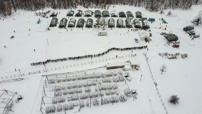 Many Migrants Still Stranded in Bosnia as Freezing Cold Sets In Photo