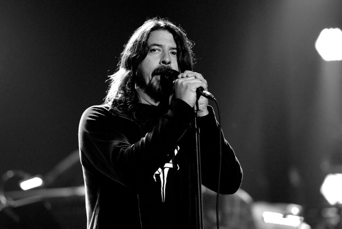 """Happy 52nd Birthday to the \""""nicest man in Rock\"""", Dave Grohl!"""