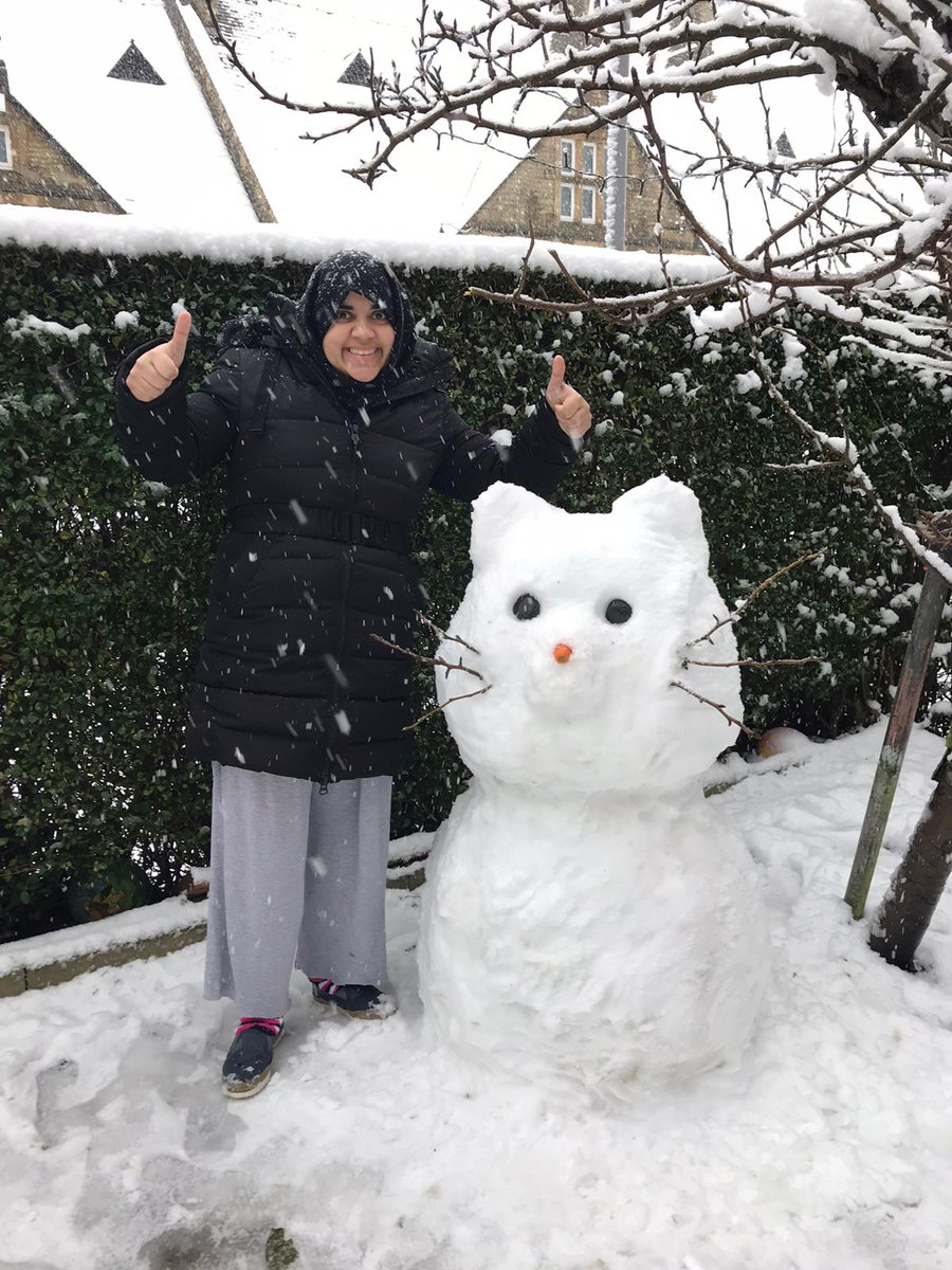 RT @LilycroftSch: ❄️LPS's Snowman Competition!❄️ The child/family that builds the best snow being will get a prize! 🎁 You can create snowman, snow-woman, child, cat, dog... be as creative as you can! Upload photos of your snow-being onto Seesaw. 📸 ✨Good luck!✨  WAGOLL-Mrs Ramzan & Mrs D.Clay