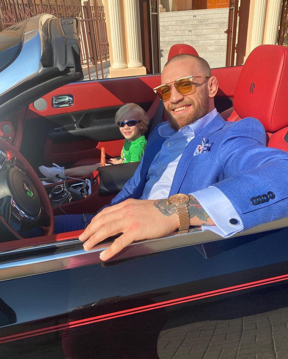 Replying to @KingMcgregorFC: The McGregor's @TheNotoriousMMA #AbuDhabi #UFC257