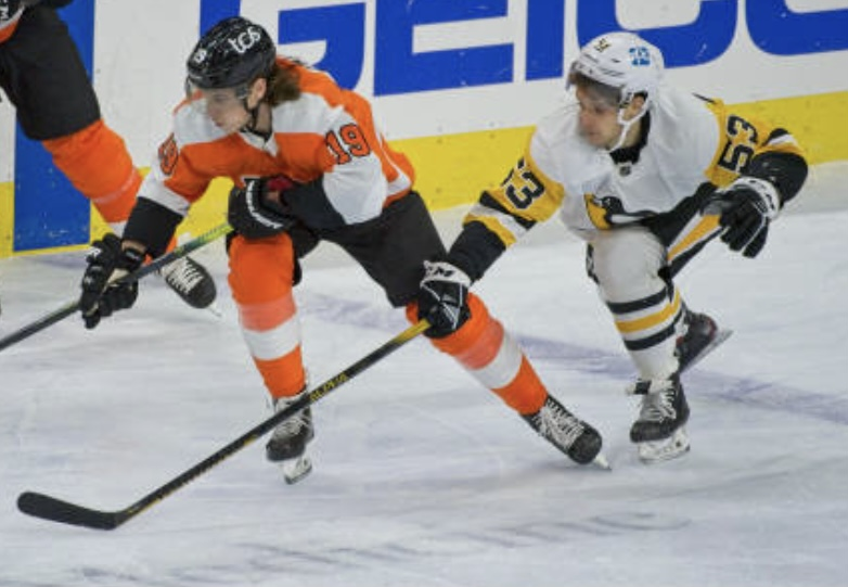 Did not expect Teddy Blueger to be the first player we'd see in a game with the Alpha DX Gold, but that was the case last night. He also added an Alpha One helmet.  #LetsGoPens #WarriorPRO