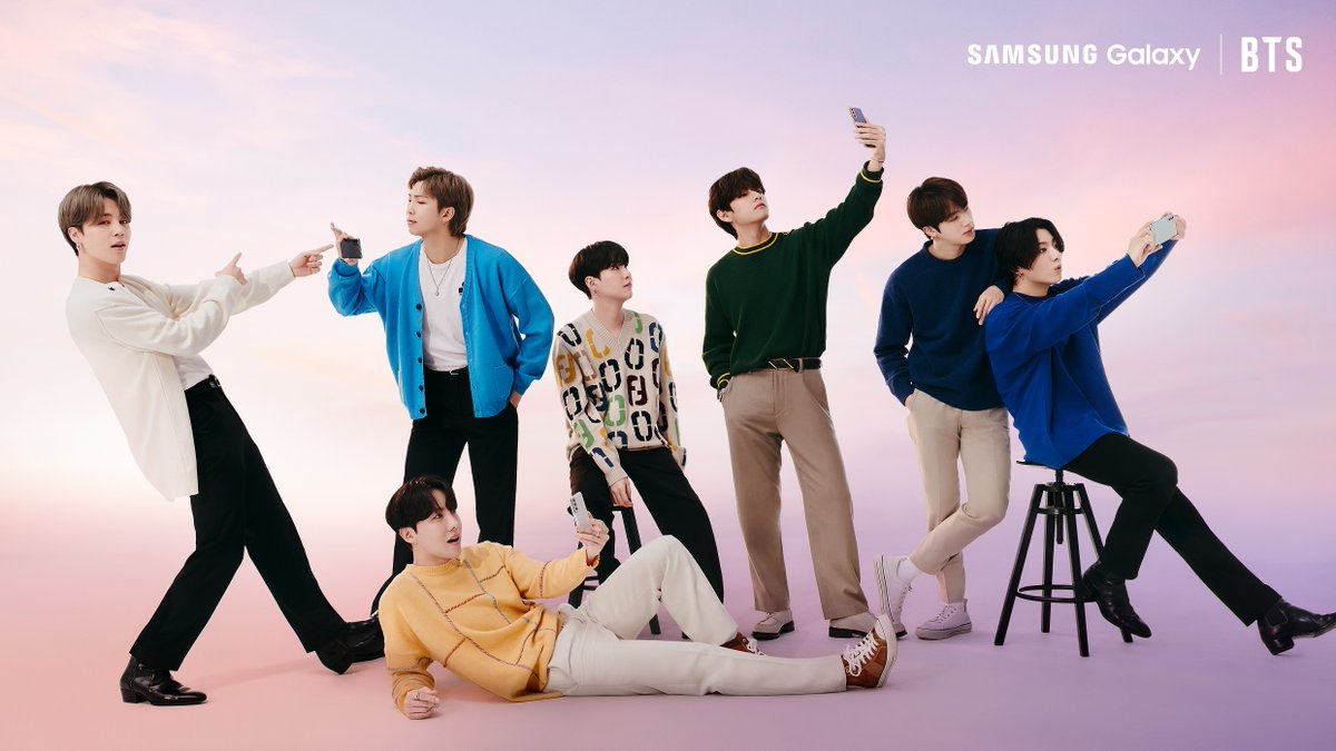 Blessing the timeline with this shot of @BTS_twt and the new #GalaxyS21, taken fresh off their appearance at #SamsungUnpacked. You're welcome. #GalaxyxBTS  Learn more: