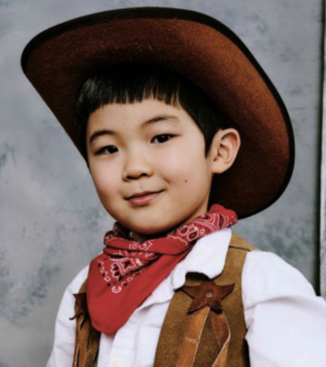 Before we're occupied with the events of the day, I think it's important that you know this is MINARI star Alan S. Kim's official headshot: