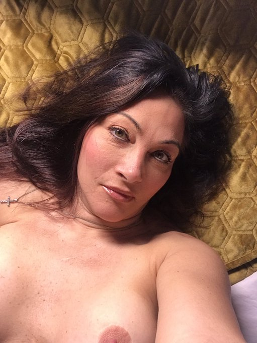 Hi guys. I still available for calls on https://t.co/7xgkJDGtBQ and on https://t.co/0cxTWDE3x7 come and
