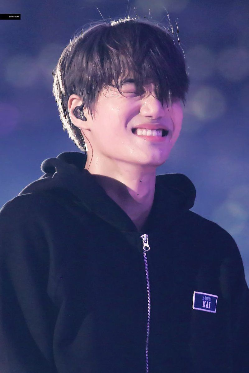To the best dancer I ever known, happy birthday!!! Thank you for born into this world and becoming our Kai. I hope you always surrounded with happiness, I love you Kim Kai 😚💕💕💕  #ArtistKaiDay #HappyKaiDay #종인아생일축하해 #가장_따뜻한_겨울_카이