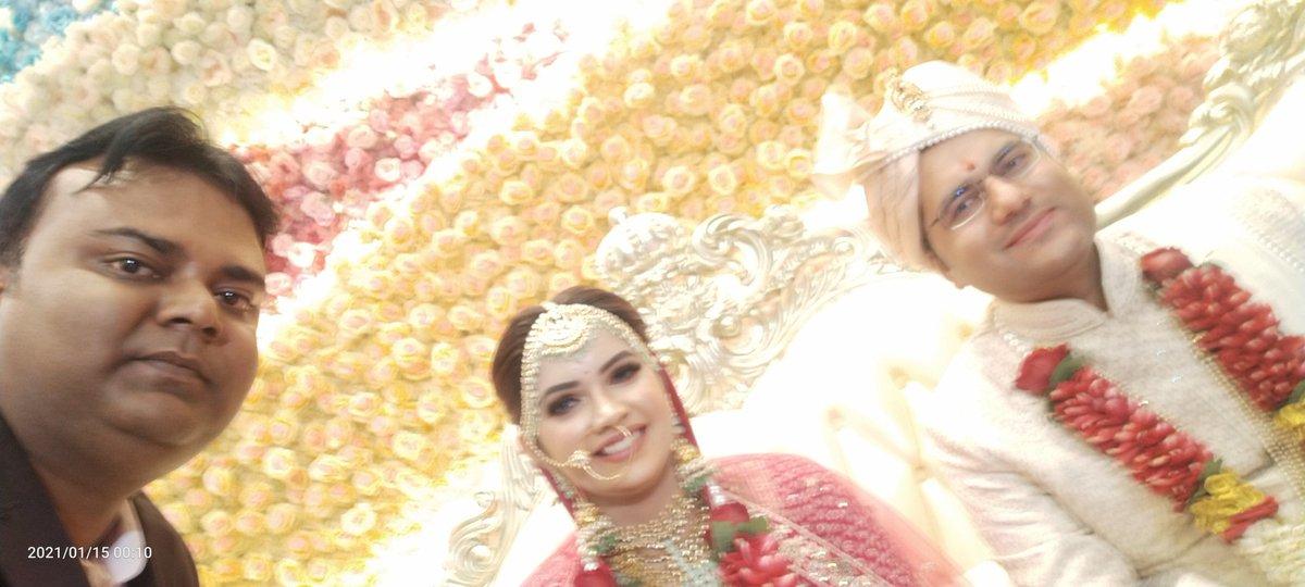 Replying to @PMLUCKNOW: भाई @akashtomarips जी,को शादी की शुभकामनाएं एवं बधाई।