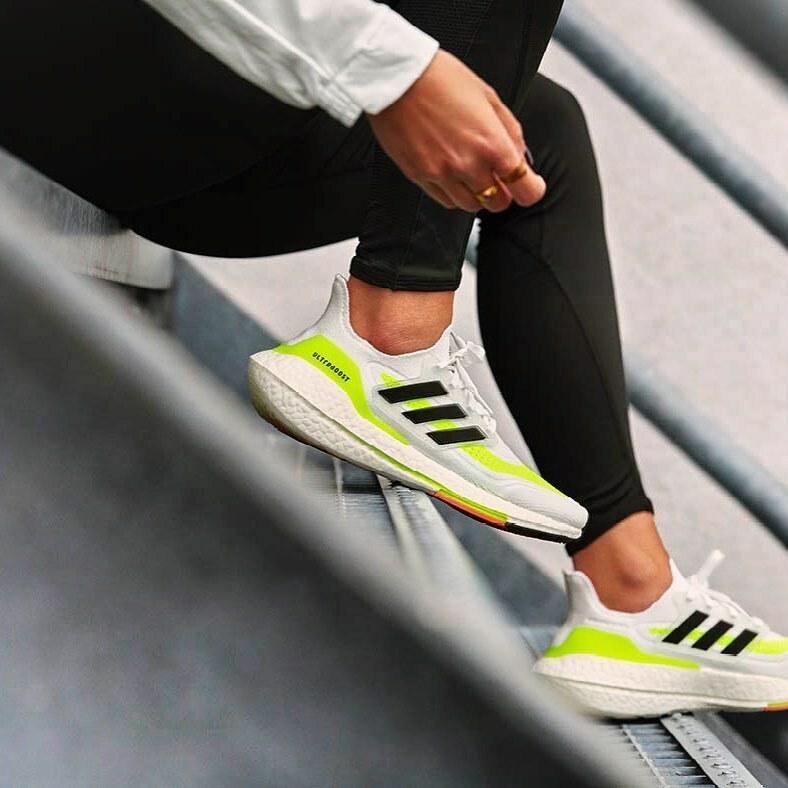 Boost Your Run... la franquicia más exitosa de la década pasada tiene un nuevo integrante #ULTRABOOST 21, este nuevo lanzamiento de @adidasrunning fusiona las tecnologías más avanzadas y sostenibles con los elementos de diseño más emblemáticos de las ULT…