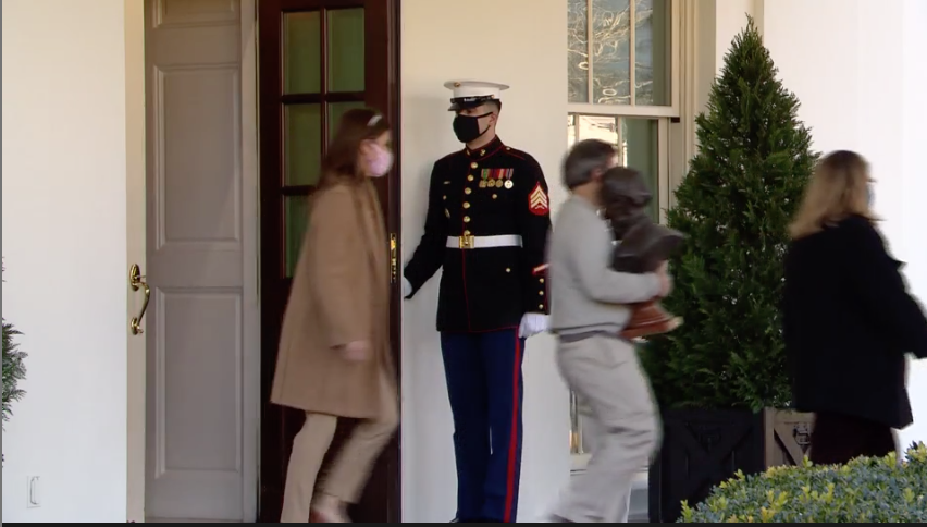 More stuff (appears to be Abe Lincoln bust) leaving the West Wing this afternoon.