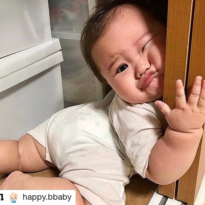 Who else woke up like this this on this #thursdaymorning? Come on, weekend! #Repost #thursdayvibes #ThursdayFeeling #thursdaymood  #breastfeedingmom #breastfedbaby #breastfeedingjourney #breastfeedinginpublic  #breastfeedingsupport #MotherandBabyHome