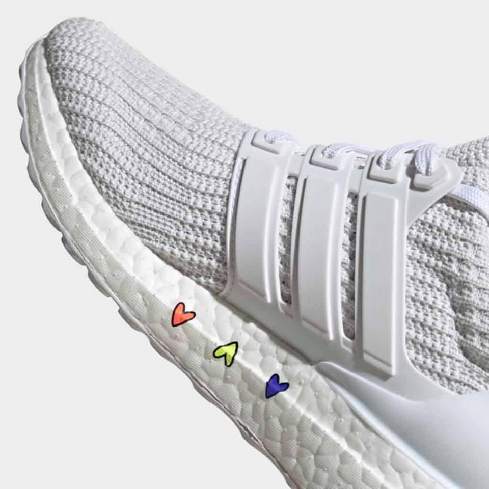 ❣️⭐️ || ¡@Adidas tiene para ti y tu pareja el regalo perfecto para este 14 de febrero!   Se trata de unos tenis modelo #UltraBoost 4.0 ¡Están súper cool!